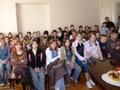 Zebrana młodzież oraz opiekunowie  czekali na to ogłoszenie wyróżnionych prac