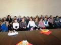 dzieci ze szkoły podstawowej oraz  Szkoły Podstawowej w Broszkach - Pani Dorota Dybska w oczekiwaniu na  wyróżnienia