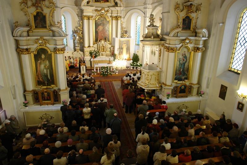 uroczysta msza święta otwierająca  Misje Miłosierdzia Bożego