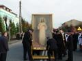 straż przygotowuje obraz przeprowadzenia w procesji