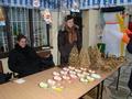 Nauczycielki ze Szkoły Podstawowej w Broszkach wystawiałay swoje świąteczne rękodzieła
